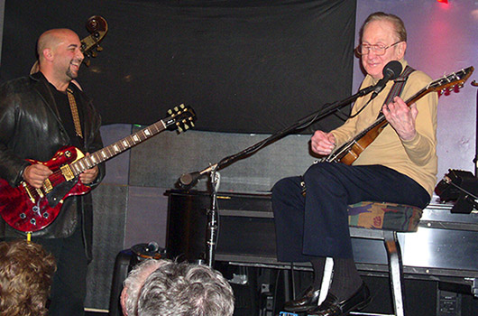Barry Goldstein and guitar icon Les Paul